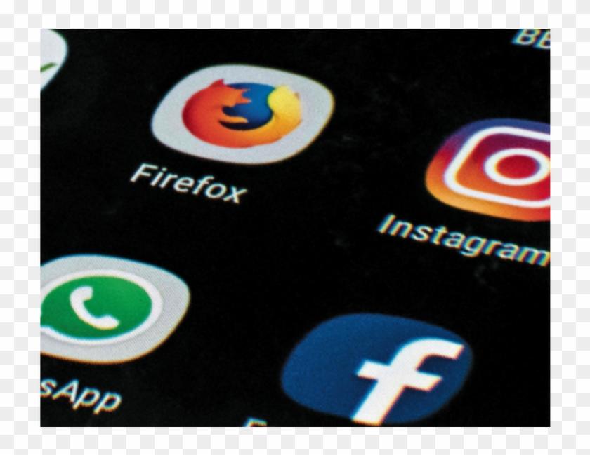 Expandir Imagen Analistas Preven Algún Efecto En Redes - Social Media Clipart #2627540