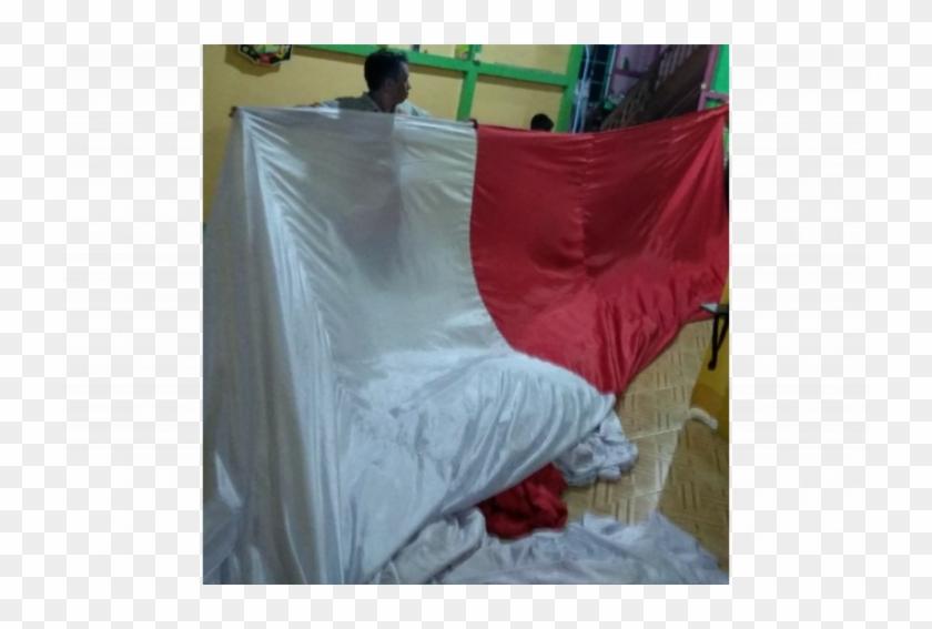 Jembatan Kapuas Putussibau Bakal Dihiasi Bendera Raksasa - Bed Clipart #3697429